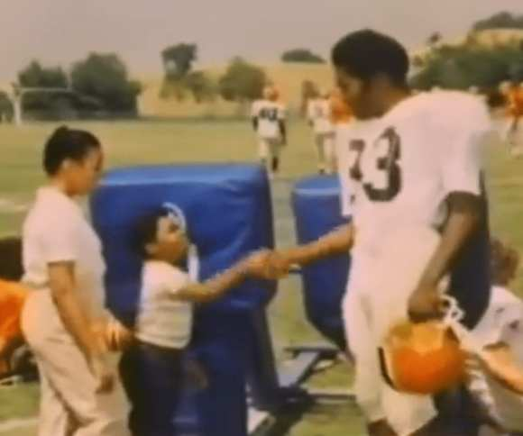Rudy is introduced to Gary Coleman by Kim Fields in the most 1980s moment ever.