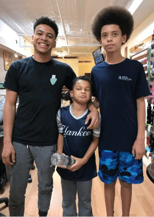 With his brothers Oscar (middle) and Isaiah