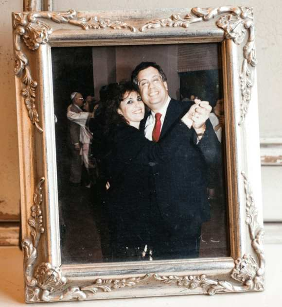 A framed photograph of Rabbi Kenneth Berger and his wife, Aviva. Both died in a plane crash.